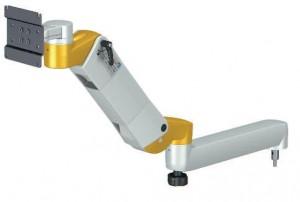 Braccio regolabile con supporto monitor per carrelli medicali
